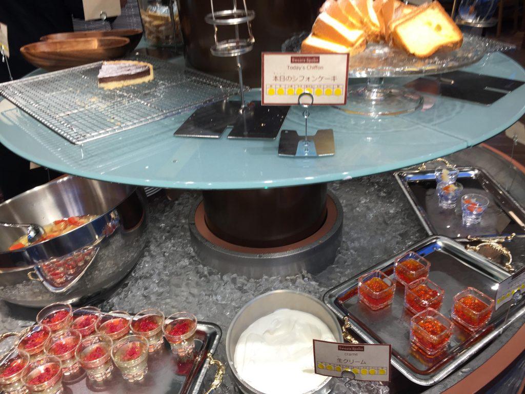 メイカーズピアのスイーツスプーン食べ放題の料理